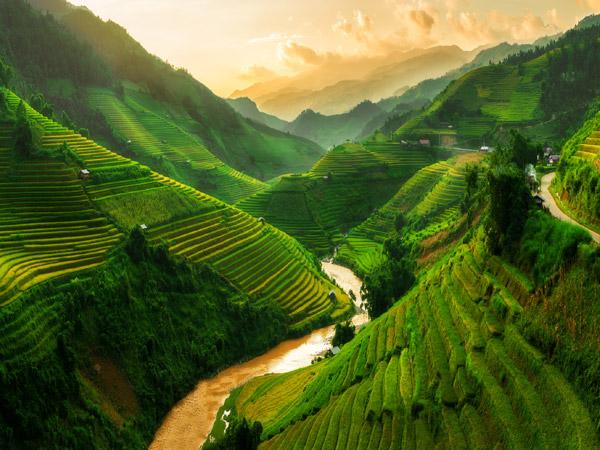Bangalore Luxury Travel - Travel Laos Tour - Laos, Vietnam, Cambodia Tour - Luxury Tours